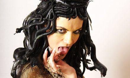 Photoshoot: Medusa Thurman (Original - Tüncörgő)