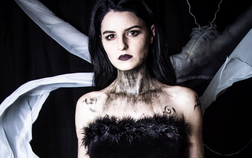 Photoshoot: Sonja (Mage: The Ascension – Zelkovena)