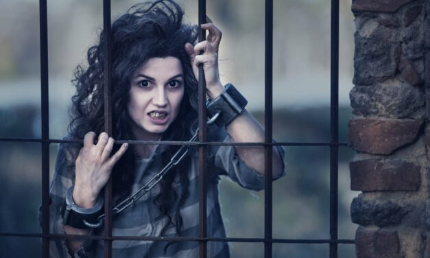 Photoshoot: Bellatrix Lestrange (Harry Potter – Ms.Terious Cosplay)