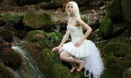Photoshoot: Fehér unikornis (Original - Lucy Elin)