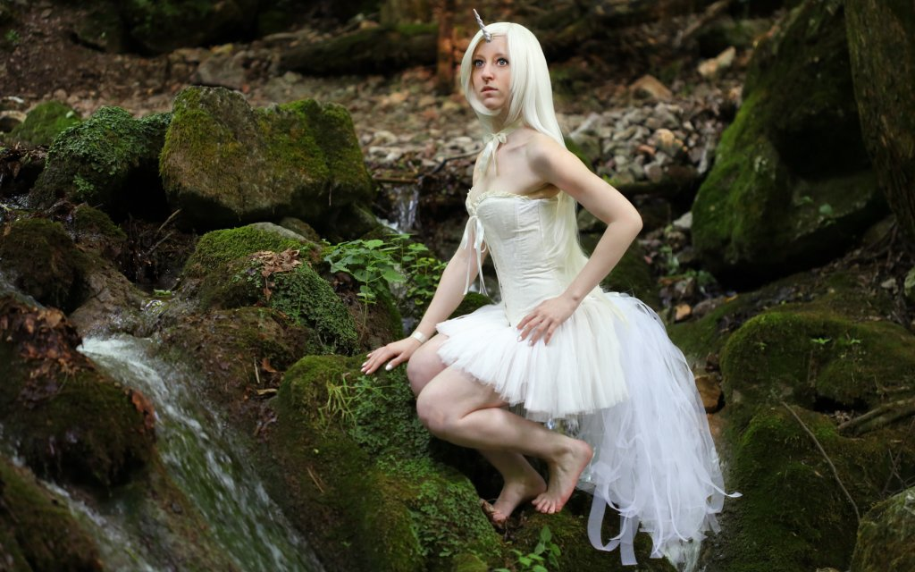 Photoshoot: Fehér unikornis (Original – Lucy Elin)