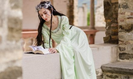 Photoshoot: Arwen (Lord of the Rings: Return of the King - Pocketwraith)
