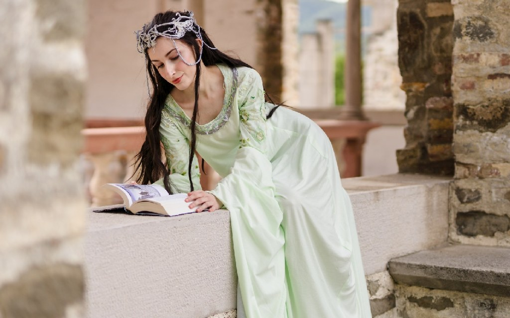 Photoshoot: Arwen (Lord of the Rings: Return of the King – Pocketwraith)