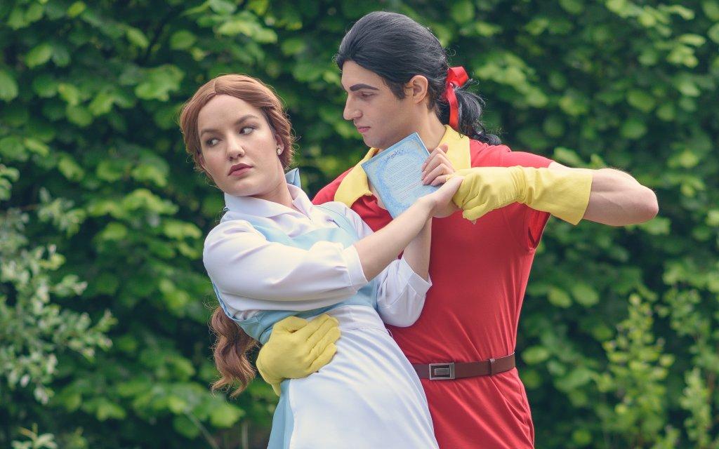 Belle és Gaston (Disney: Szépség és a Szörnyeteg – Bluebelle creatives)